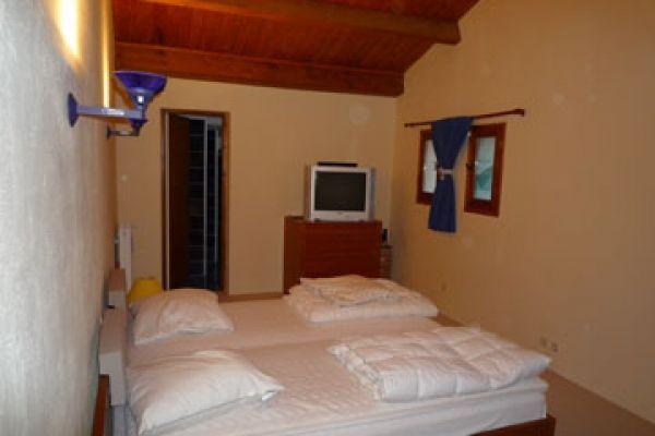 room-20301-20rz953E8050-C355-4FA5-0658-4E176355A1D1.jpg
